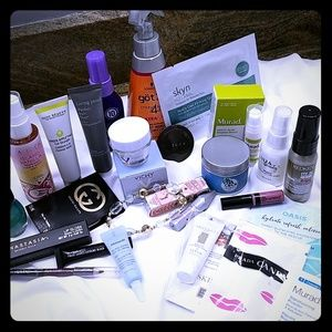 25 piece beauty set full and sample size